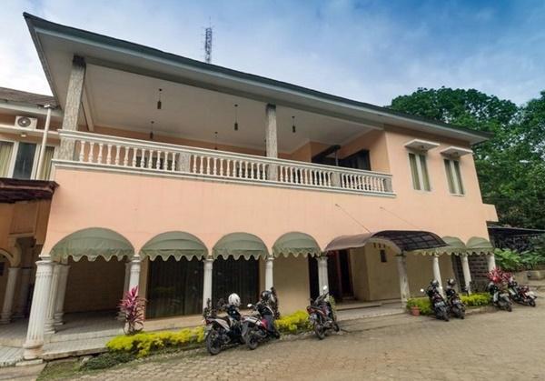Hotel Murah di Bogor Kota RedDoorz near Kebun Raya Bogor