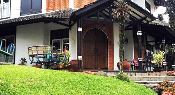 Hotel di Puncak Dekat Taman Safari