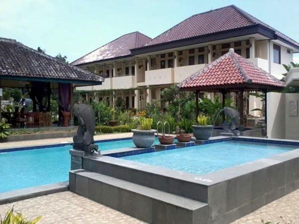Taman Teratai Hotel